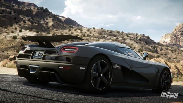 极品飞车18:玩家在游戏的开放世界中扮演飙车手或执法人员